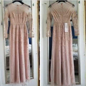 BCBGMAXAZRIA Bare Pink maxi dress, size 6,new